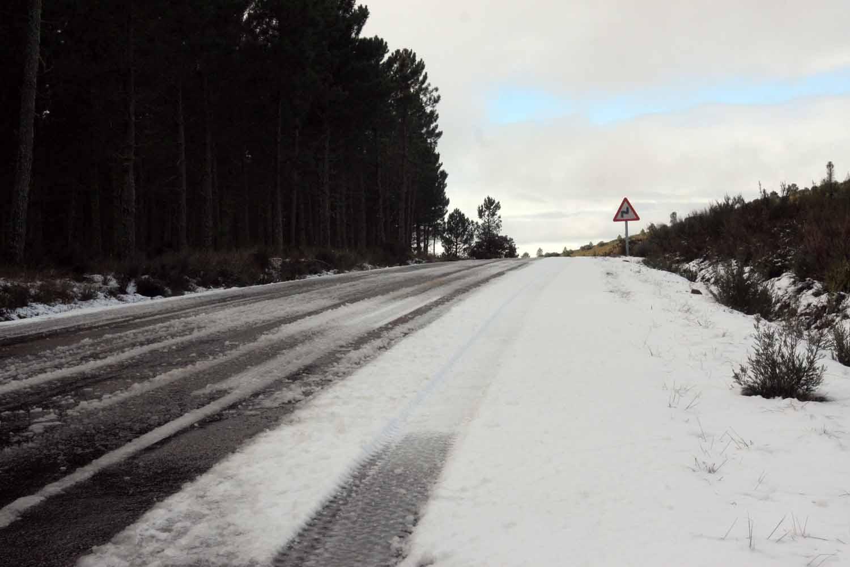 Primera nevada de 2015 en Serradilla del Arroyo